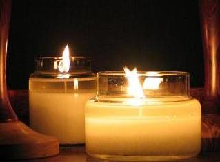 Premium retail and wholesale scented candles.